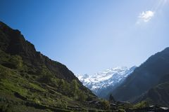 Berge mit Tal, Yamunotri, Garhwal-Himalaja, Uttarkashi Lizenzfreie Stockfotografie