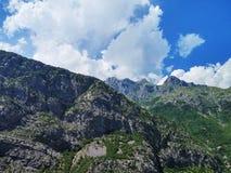 Berge mit Wolken Stock Photos