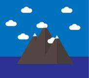 Berge mitten in dem Ozean Stockfotos