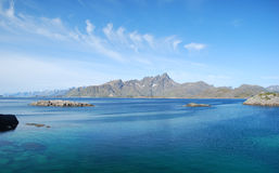 Berge, Mortsund, Lofotens, Norwegen Lizenzfreie Stockfotografie