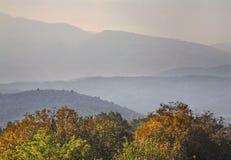 Berge nahe Gevgelija Herbst macedonia stockfotos