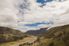 Berge Pastaza-Flusses, Südamerika, Anden lizenzfreies stockbild