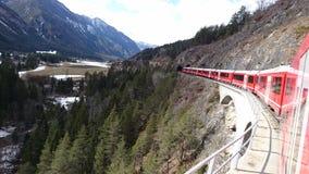 Berge um bergun, switserland genommen vom Rhatische Bahn Lizenzfreie Stockfotos