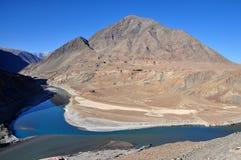 Berge und Flüsse Lizenzfreies Stockfoto