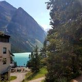 Berge und Gletscherwasser lizenzfreies stockbild