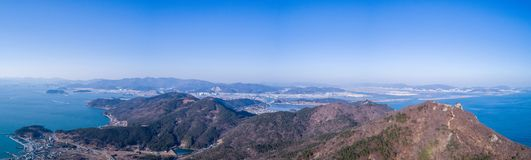 Berge und Meer Lizenzfreie Stockfotos