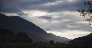 Berge und See Stockfotos