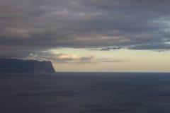 Berge und Seelandschaft Stockfoto