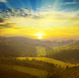 Berge und Sonnenaufgang Lizenzfreie Stockbilder