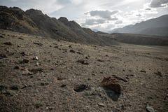 Berge und Steinruinen Stockfoto