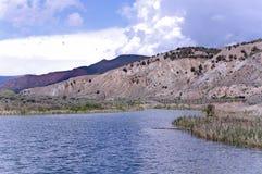 Berge und Teiche Stockbild