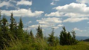 Berge und Wolken stock video