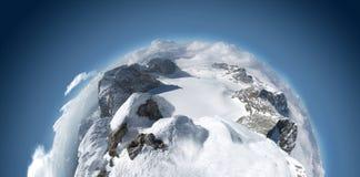 Berge - ungewöhnliches panoramisches Lizenzfreie Stockfotografie