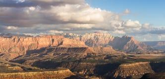 Berge in Zion NP, Utah Lizenzfreie Stockfotos
