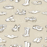 Übergeben Sie zeichnende verschiedene Arten von unterschiedlichen Schuhen im Vektor Stockfoto