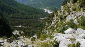 Bergen in Albanië stock footage