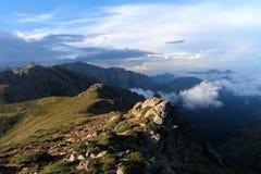 Bergen av Korsika, trekking rutt GR-20 Royaltyfri Bild
