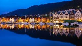 Bergen Bryggen nachts Stockfotografie