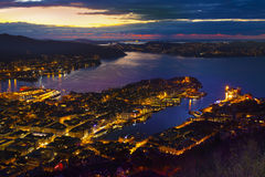 Bergen City Skyline, Norvegia Dalla montagna di Floyen da Fløibanen fotografie stock