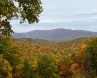 Bergen in de herfst Stock Afbeeldingen
