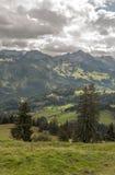 Bergen in de Zwitserse alpen Royalty-vrije Stock Afbeeldingen