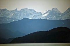 Bergen die Harrison Lake omringen Royalty-vrije Stock Afbeelding
