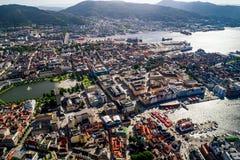 Bergen is een stad en een gemeente in Hordaland op de westkust van Noorwegen Bergen is de second-largest stad in Noorwegen stock foto