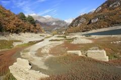 Bergen en bomen in de Pyreneeën, de herfst, Tramacastilla DE Tena Royalty-vrije Stock Afbeeldingen
