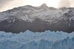Bergen en gletsjer Royalty-vrije Stock Foto