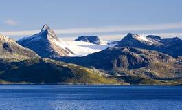 Bergen en meer Stock Fotografie
