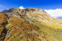 Bergen en piekenlandschap Stubaier Gletscher met gletsjers en sneeuw, natuurlijk milieu wordt behandeld dat Stock Afbeelding