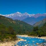 Bergen en rivier in India Royalty-vrije Stock Fotografie