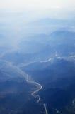 Bergen en rivieren stock afbeeldingen
