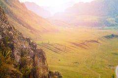 Bergen en rotsen van Altai Stock Afbeelding