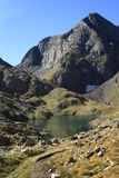 Bergen en water in Tena-vallei, de Pyreneeën Panticosa Stock Afbeelding