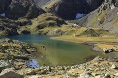 Bergen en water in Tena-vallei, de Pyreneeën Panticosa Royalty-vrije Stock Foto