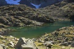Bergen en water in Tena-vallei, de Pyreneeën Panticosa Stock Foto's