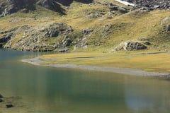 Bergen en water in Tena-vallei, de Pyreneeën Panticosa Royalty-vrije Stock Afbeeldingen