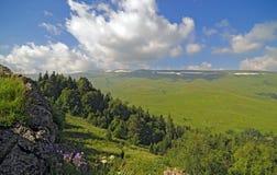 Bergen en Wolken Stock Foto