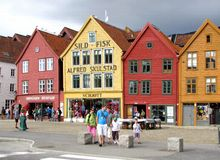 Bergen-hölzerne Häuser Stockbild