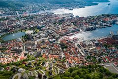 Bergen ist eine Stadt und ein Stadtbezirk in Hordaland auf der Westküste Lizenzfreie Stockbilder