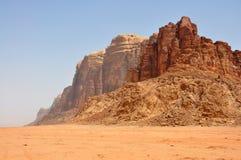 Bergen in Jordanië, Wadi Rum Stock Afbeeldingen