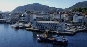 Bergen - la ville dans le fjord Image libre de droits