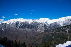 Bergen met sneeuw snowcaps landschap dat worden behandeld Stock Afbeelding