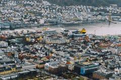 Bergen miasto w Norwegia przy zmierzchem Zdjęcie Royalty Free