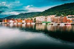 Bergen, Norvège Vue des Chambres historiques de bâtiments dans Bryggen - quai Hanseatic à Bergen, Norvège L'UNESCO Photo stock
