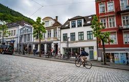 BERGEN, NORVEGIA - GIUGNO 15,2017: Bergen è una città e un comune Fotografia Stock