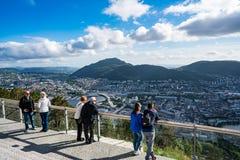 BERGEN, NORVEGIA - GIUGNO 15,2017: Il punto di osservazione Bergen è una città Fotografie Stock