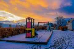BERGEN NORWEGIA, KWIECIEŃ, - 03, 2018: Plenerowy widok niektóre gry w boisku lokalizować w parku miasto Bergen Obraz Stock