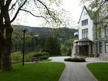 Bergen parkerar det kungliga slottväxthuset och Royaltyfri Fotografi